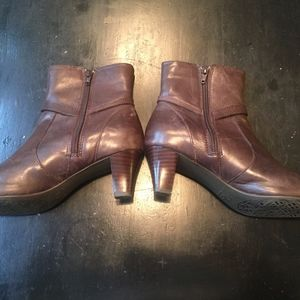 Anne Klein brown ankle boots